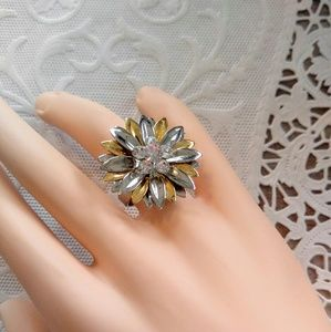 SO PRETTY Vintage Adjustable Gold/Silver Ring